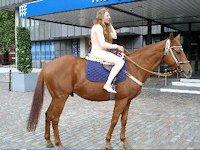 caroline-on-horse